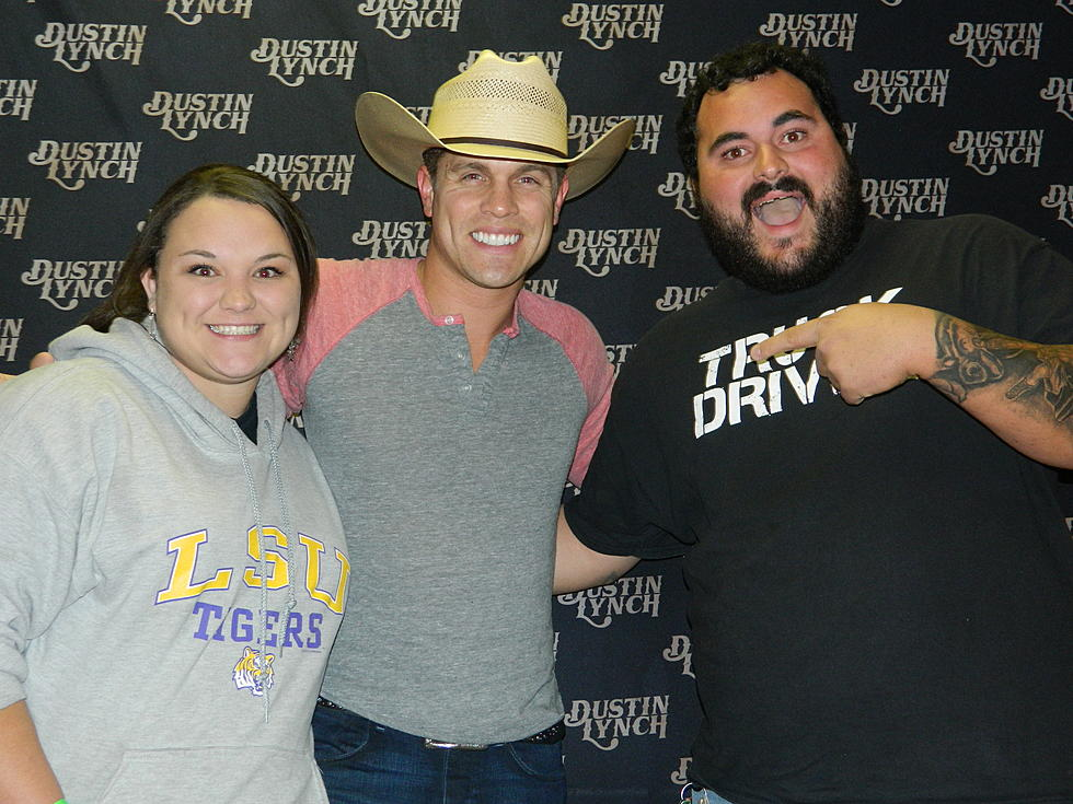 Heres the dustin lynch meet and greet pics photos m4hsunfo