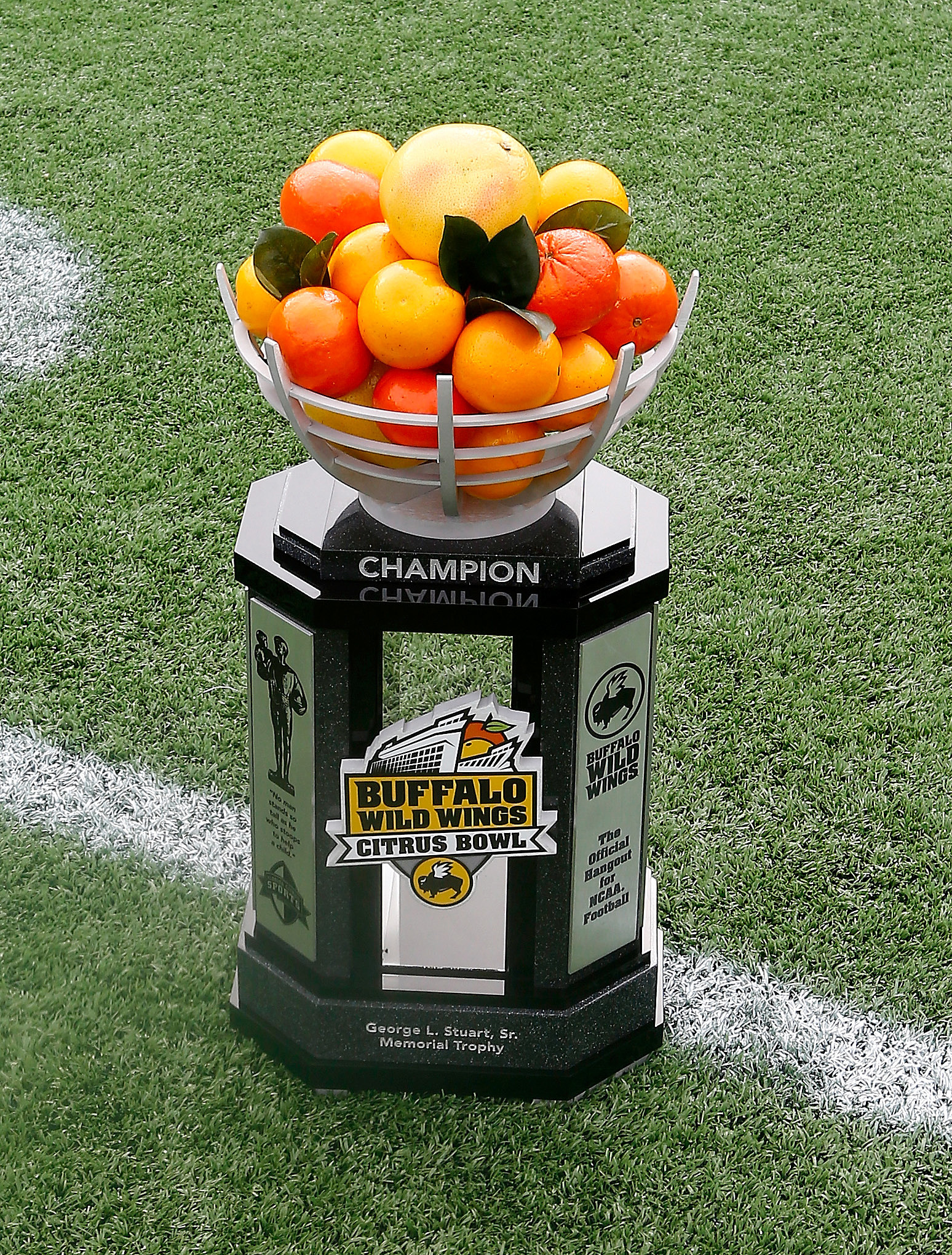 Buffalo Wild Wings Citrus Bowl - Minnesota v Missouri
