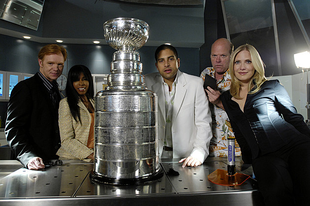 CSI Miami Cast Pose With The Stanley Cup